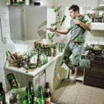 «Один дома»: чем занимаются мужчины в отсутствие жены